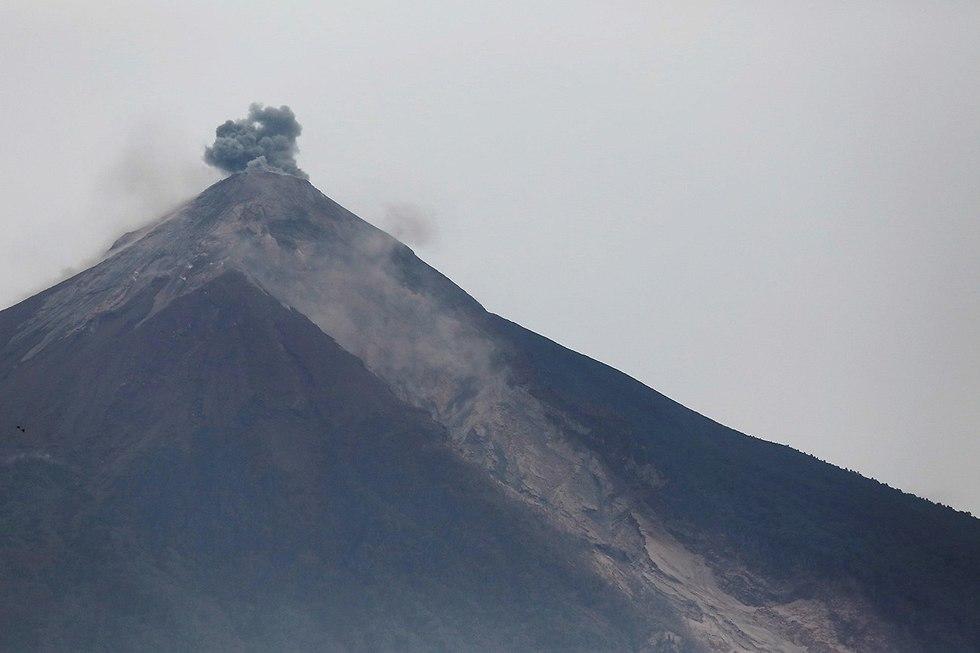 גואטמלה הר געש התפרץ פואגו (צילום: רויטרס)