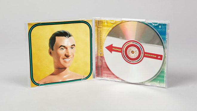 אריזת דיסק של דיוויד בירן, אחד הלקוחות המוזיקליים של המשרד (צילום: טום שיירליץ)