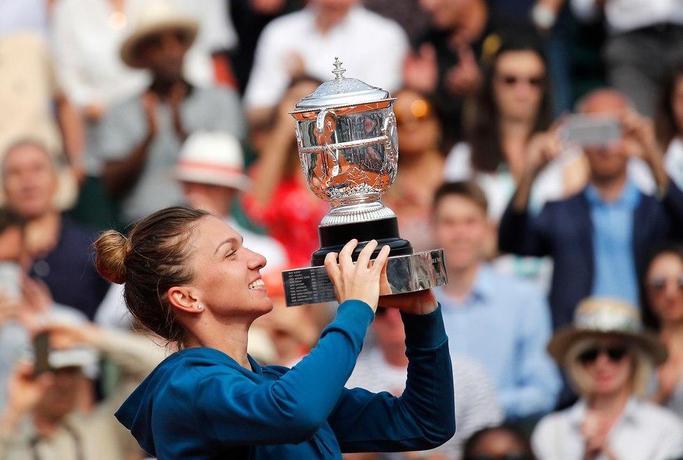 סימונה האלפ רולאן גארוס (צילום: AP)