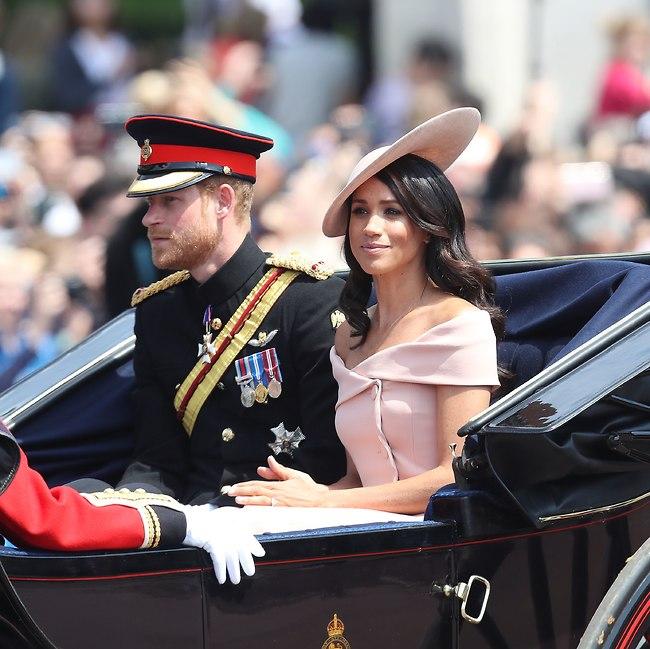 לא נראית מרוצה. מייגן מרקל והנסיך הארי (gettyimages)