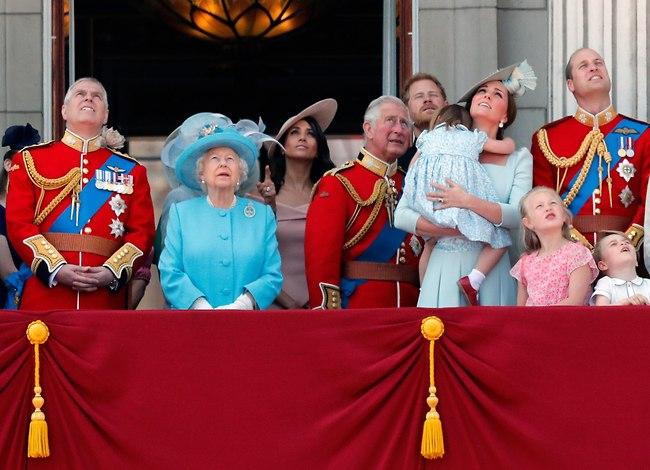 הנסיכה שרלוט מציגה: מחיר התהילה (AP)