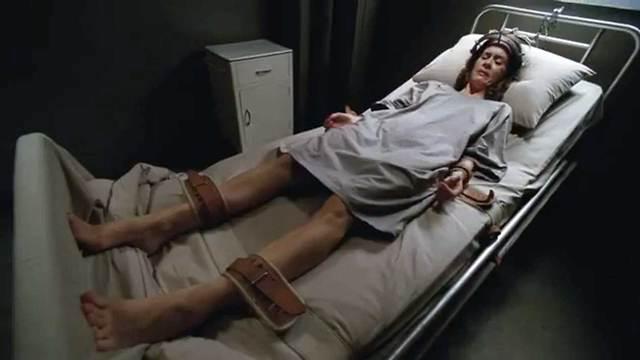 שרה פולסון (צילום: מתוך הסדרה