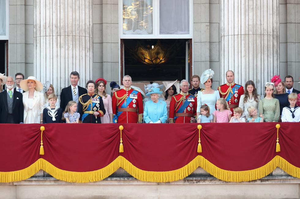איפה מייגן מרקל? הדוכסית מוסתרת מאחור בתצלום הרשמי (צילום: Chris Jackson/GettyimagesIL)