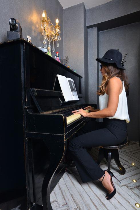 המקום מספיק לפסנתר (צילום: שחר שדרין - SHEDRIN STUDIO)