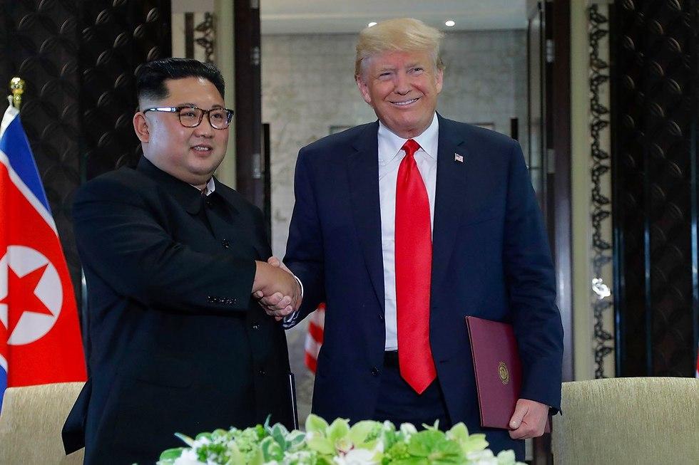 Kim and Trump meet in Singapore (Photo: AP)