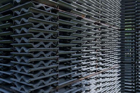 איפוק עיצובי וחומרים צנועים (עיצוב: Frida Escobedo, Taller de Arquitectura, צילום: Iwan Baan)
