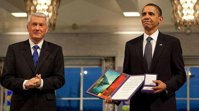 ברק אובמה מקבל ב 2009 את פרס נובל לשלום ()