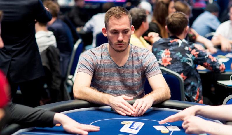 ג'סטין בונומו (צילום: PokerNews)