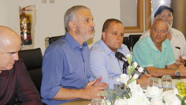 Министр финансов Моше Кахлон представляет публике проект аквапарка в Ашкелоне