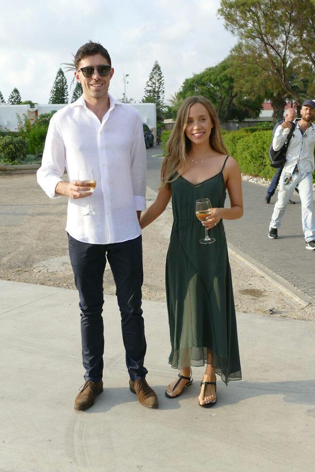 נשואים טריים. עמליה דואק ומשה גליקסמן (צילום: אמיר מאירי)