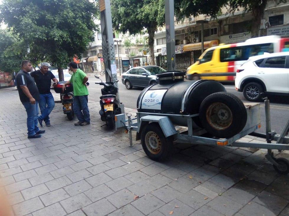 מאגר המים הזמני ברחוב אלנבי בתל אביב ()