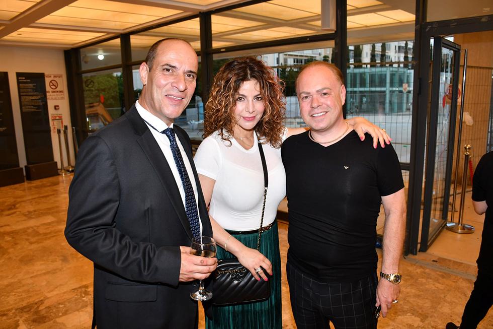 רכילות עסקית רוני לנדאו וזוגתו, ליאור שמואלי (צילום: אביב חופי)