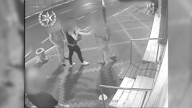 Конфликт в Петах-Тикве (съемка камерой наружного наблюдения). Фото предоставлено пресс-службой полиции