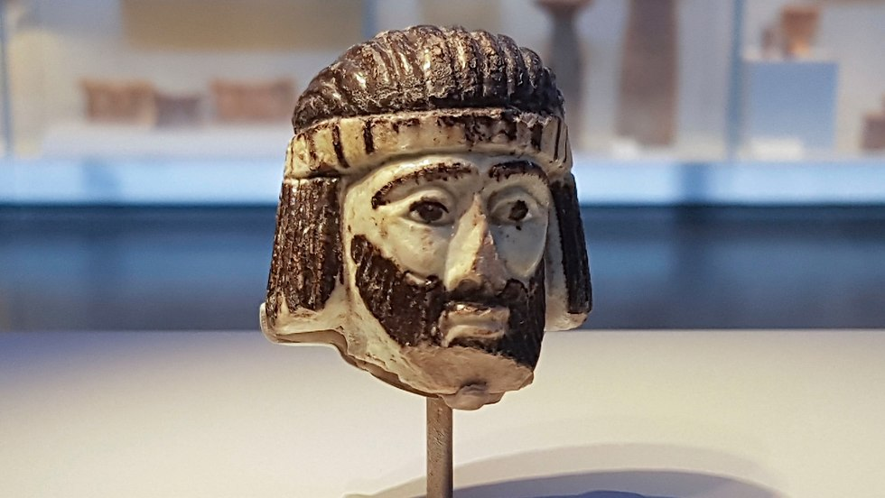 The figurine of the unknown king (Photo: AP)