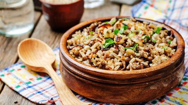 תבשיל אורז ועדשים (צילום: shutterstock)