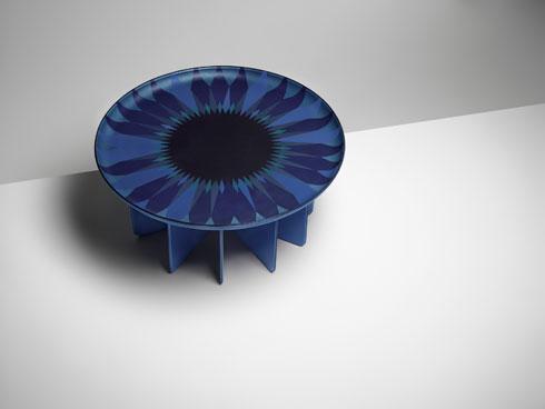 שולחן לקולקציית החפצים של ''לואי ויטון''. הסטודיו שלה נמצא ברחוב ''לאס קאס'' במרכז פריז, לצד חנות ואולם תצוגה (צילום: לואי ויטון מלטייר)