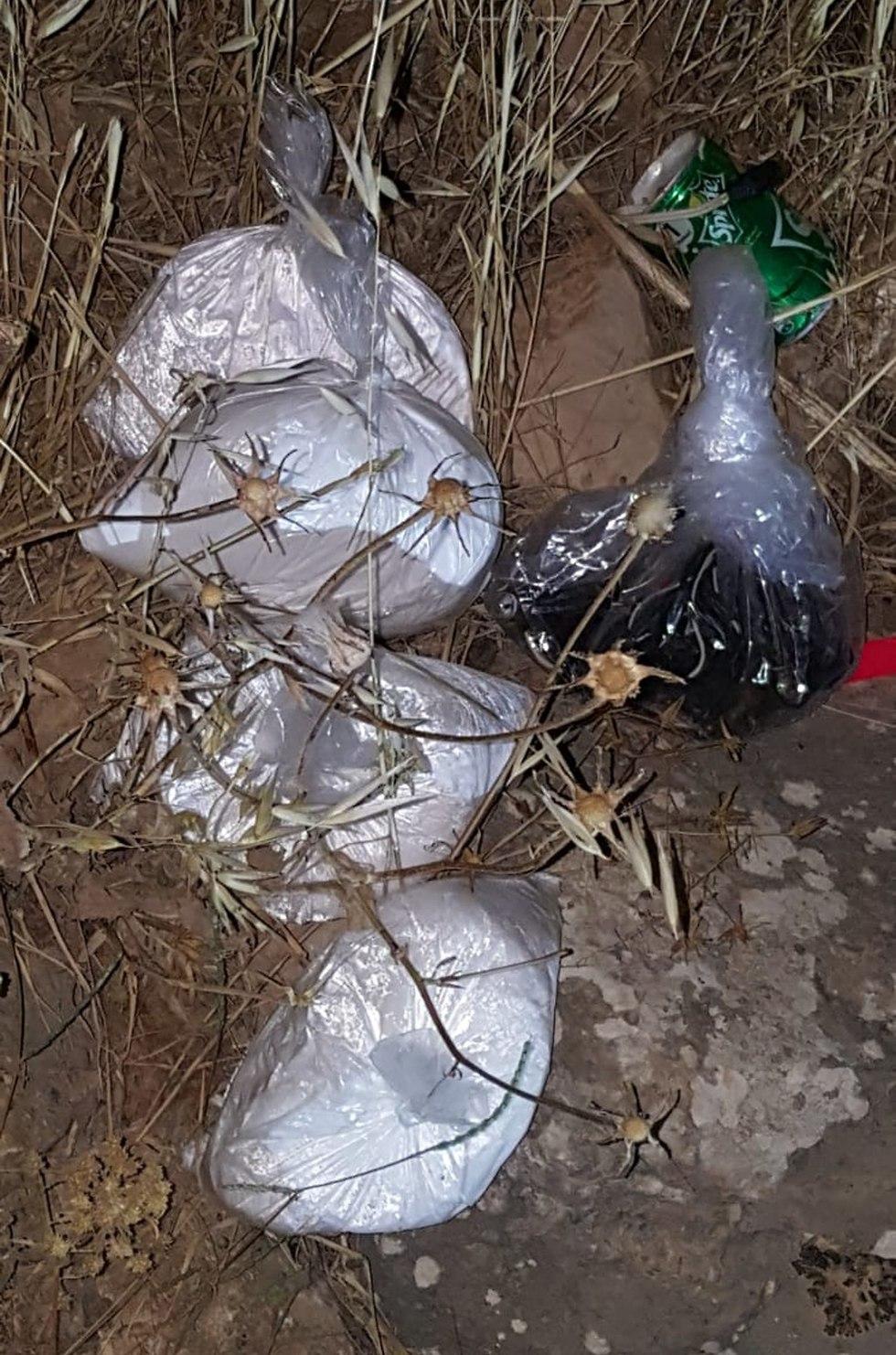 חומרי הנפץ שנתפסו באיזור שכם (צילום: דובר צה