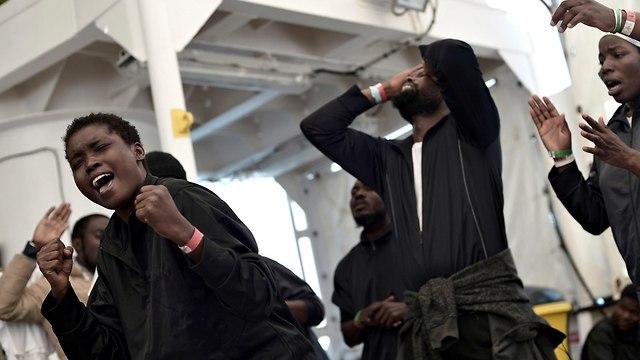Мигранты из Африки. Фото: ЕРА