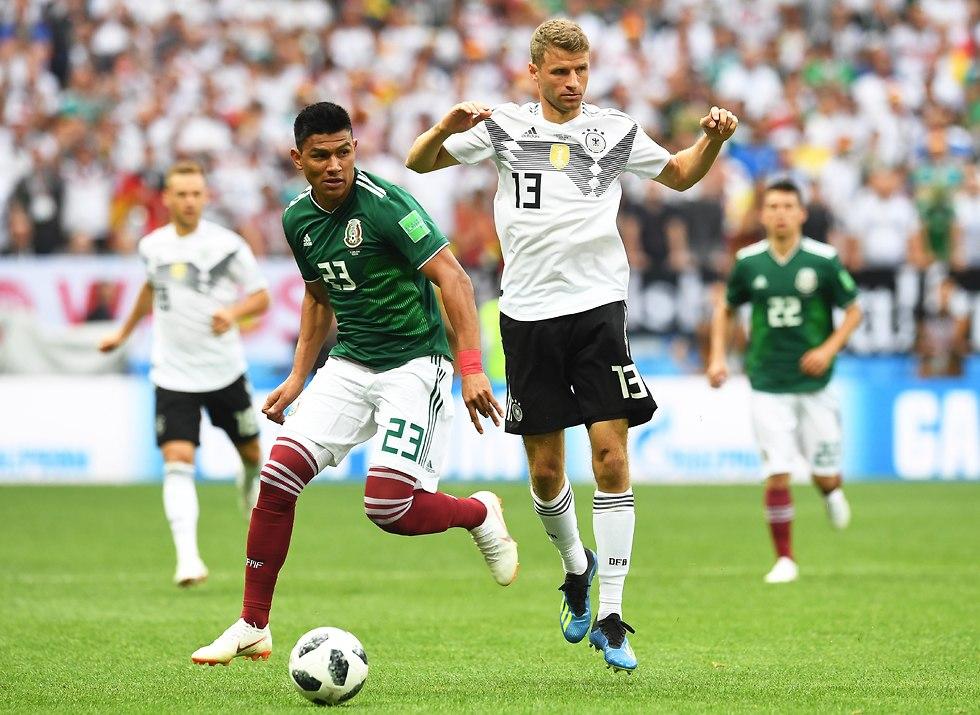 חסוס גז'ארדו נבחרת מקסיקו תומאס מולר נבחרת גרמניה (צילום: EPA)