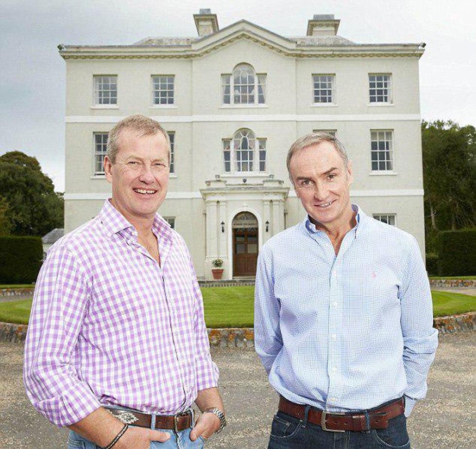 Лорд Ивар слева и его избранник. Фото: Les.Wilson.com