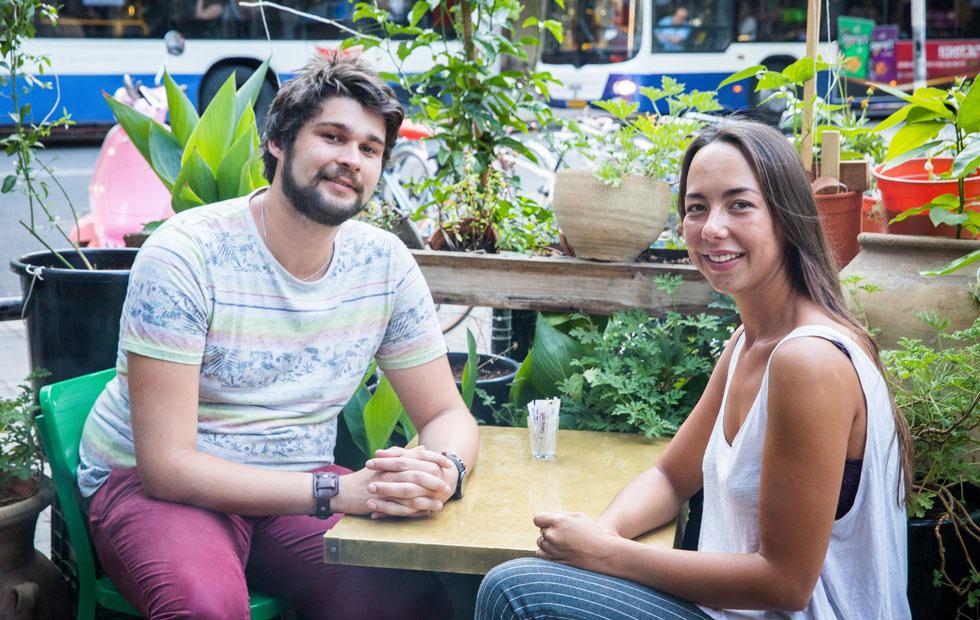 """בנדיקט בורדייה (מימין) וג'רמי גאסשה, השבוע בתל אביב. """"יש כאן תחושת אחדות שאין בצרפת"""" (צילום: טל שחר)"""