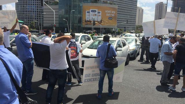 הפגנה של ארגון נהגי האוטובוסים בתל אביב (צילום: רועי רובינשטיין)