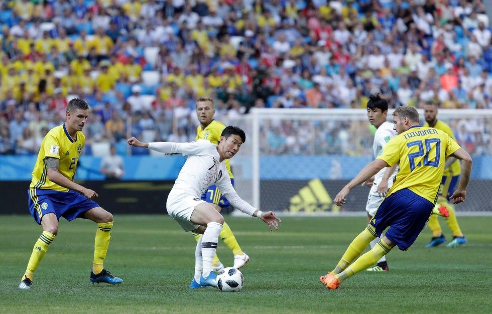 שבדיה דרום קוריאה מונדיאל (צילום: AP)