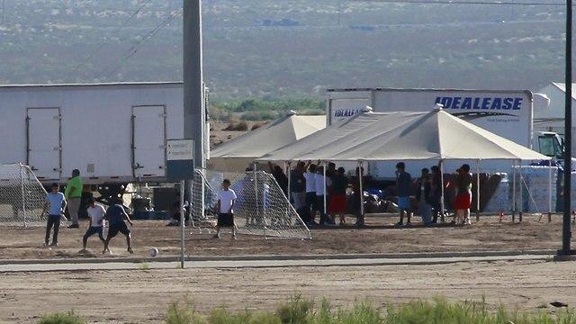 מכלאות הילדים שהופרדו מהוריהם במקסיקו (צילום: רויטרס)