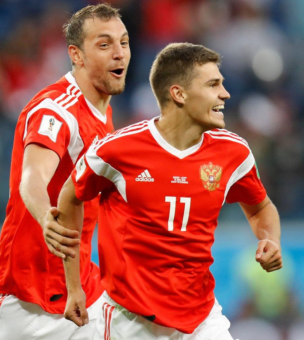 ארטיום דזיובה ורומן זובנין (צילום: AP)