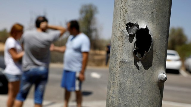 Gaza border communities after a night of mortar shell barrage (Photo: Reuters)