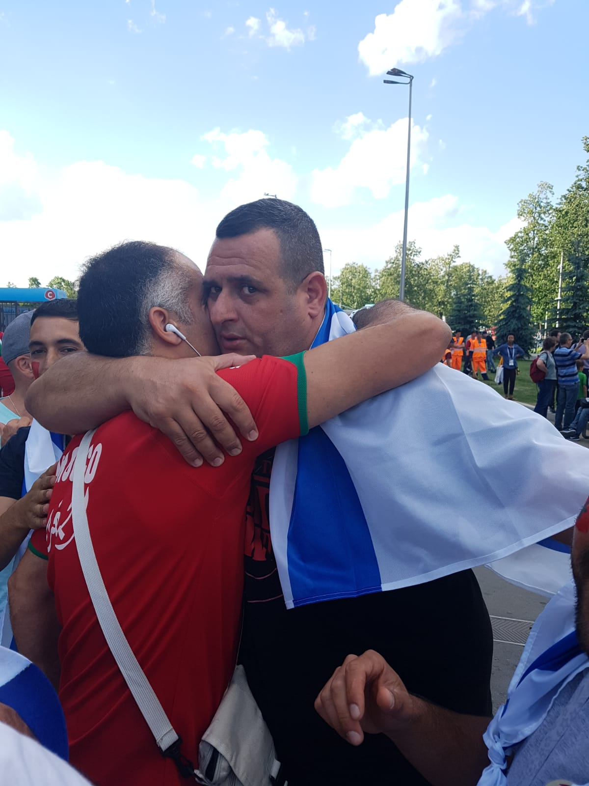 Israeli and Moroccan fans at the World Cup (Photo: Amir Peleg)