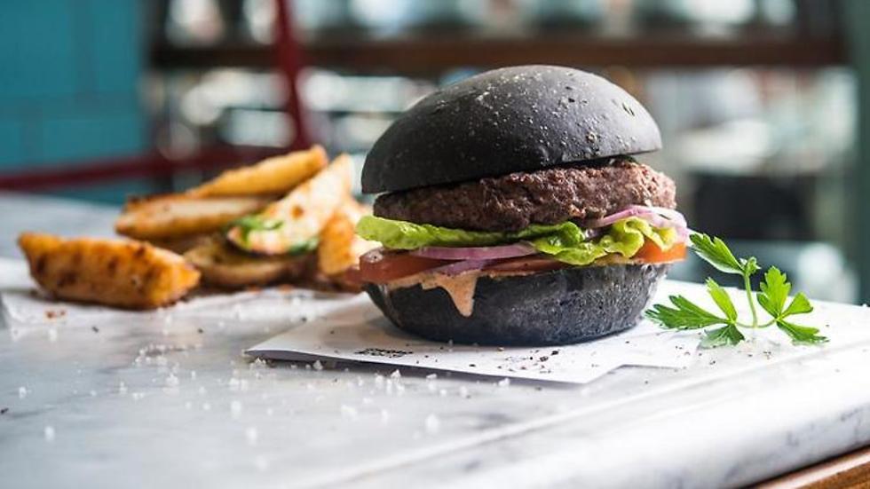 אוכל שחור (צילום: בן יוסטור)