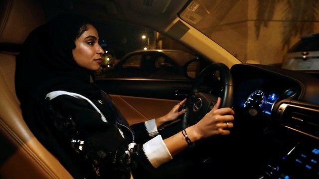 נשים נוהגות בסעודיה (צילום: רויטרס)
