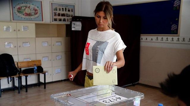 קלפי באנקרה טורקיה (צילום: EPA)