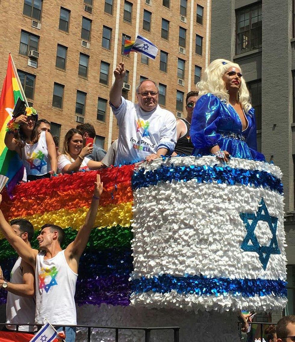 מצעד הגאווה בניו יורק (צילום: שני אזולאי)