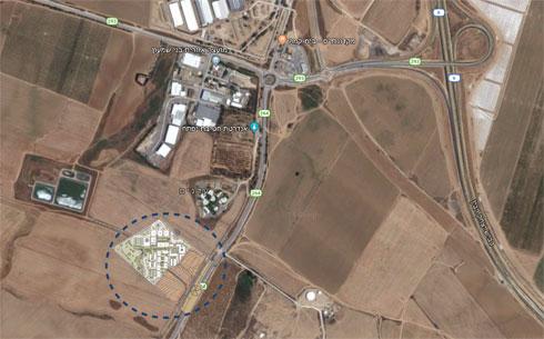 """מיקומות של הכפר (מסומן בעיגול) בשטח המועצה האזורית בני שמעון  (באדיבות """"פלסנר אדריכלים"""")"""