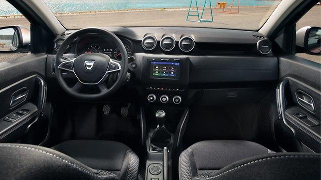 דאצ'יה דאסטר 4WD ()