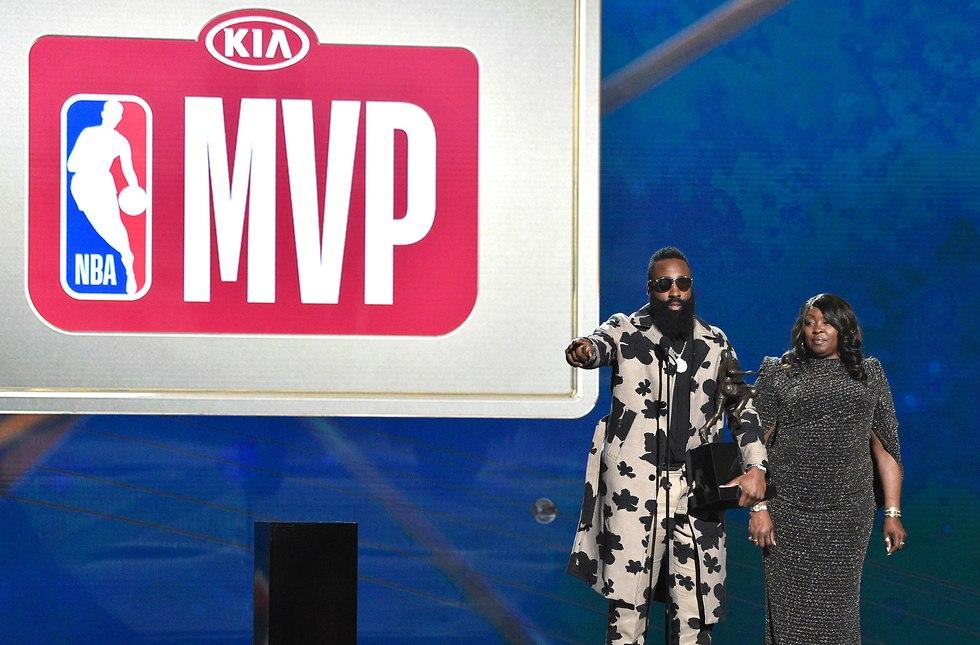 ג'יימס הארדן יוסטון מצטיין MVP (צילום: רויטרס)