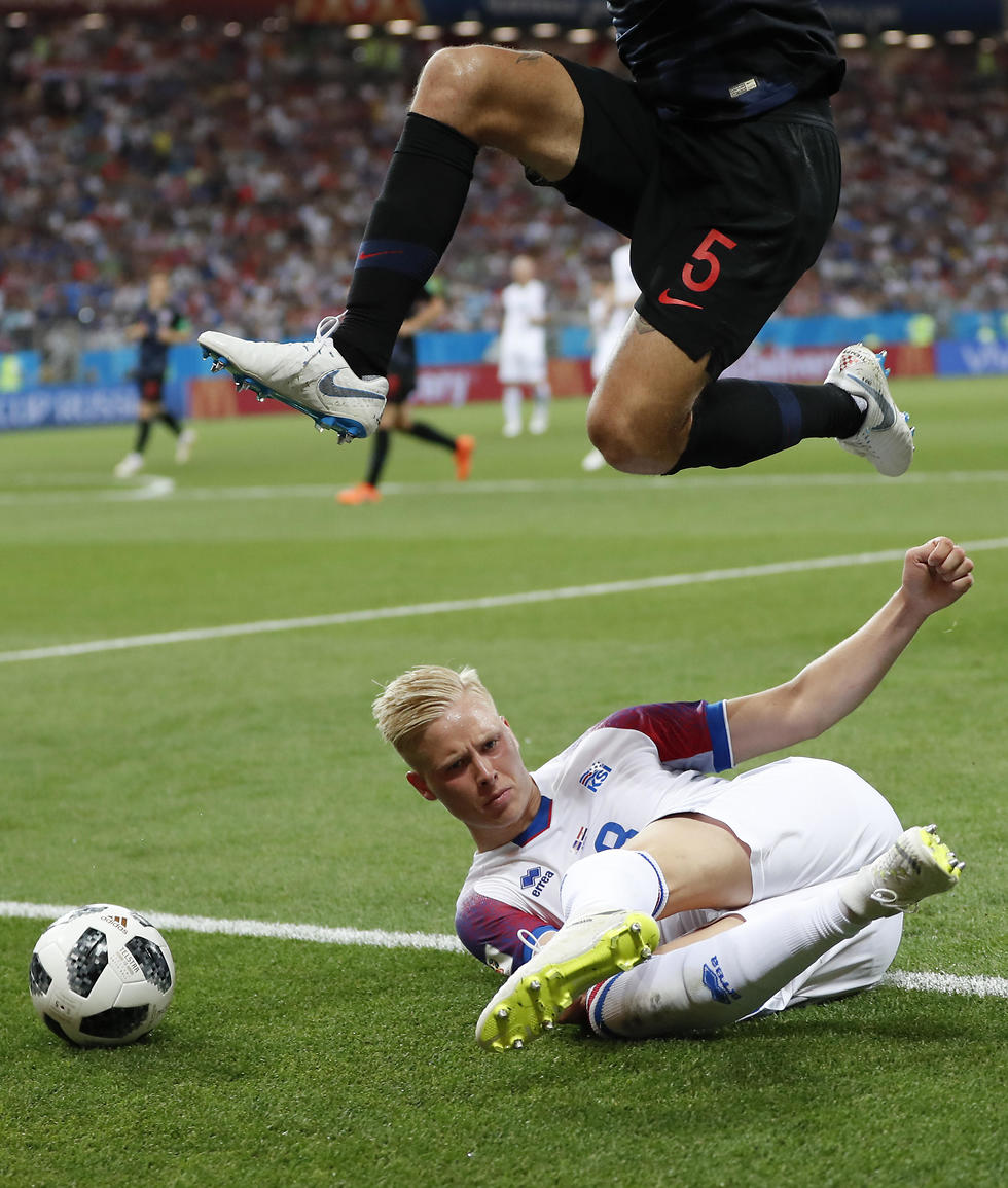 Матч Исландия - Хорватия. Фото: АР