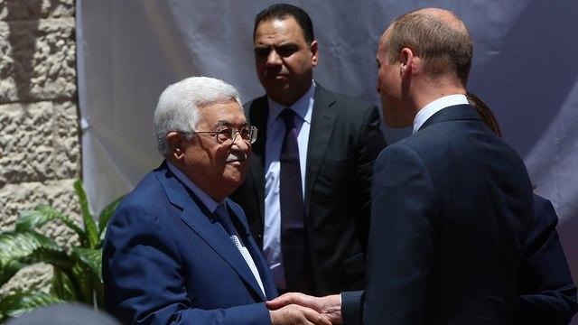 Принц Уильям на приеме у Абу -Мазена в Рамалле. Фото: EPA