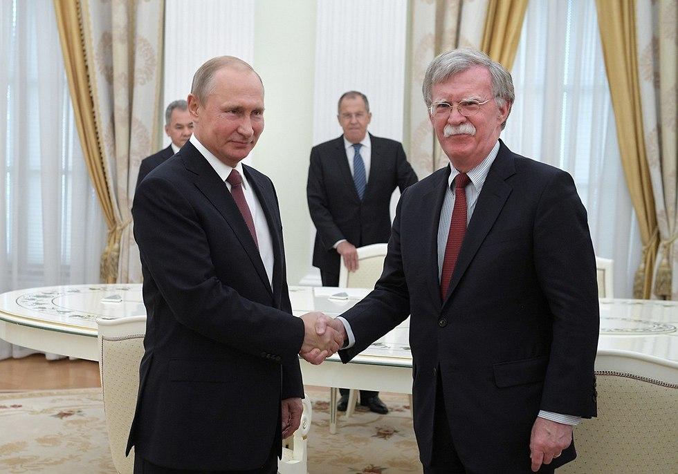 John Bolton meets with Vladimir Putin in 2018 (Photo: EPA)