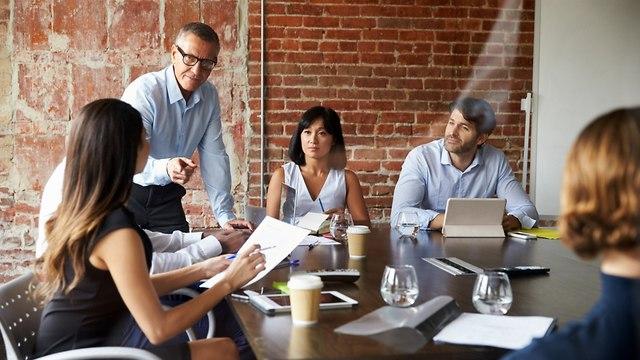 עבודה במשרד (צילום: shutterstock)