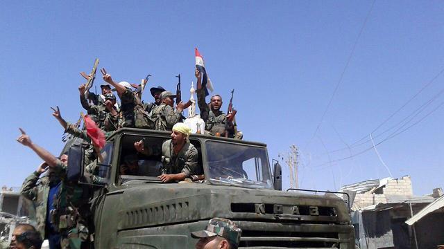 Assad forces in Deraa area (Photo: Reuters)