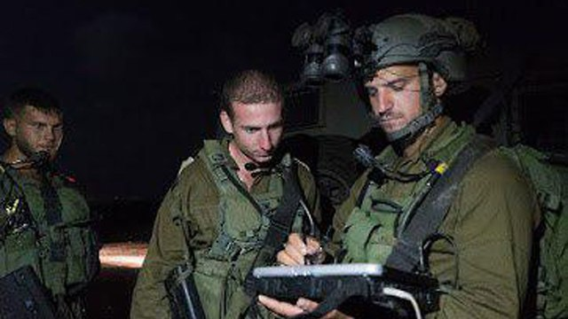 IDF transfers humanitarian aid to Syrian refugees (Photo: IDF Spokesman's Office)