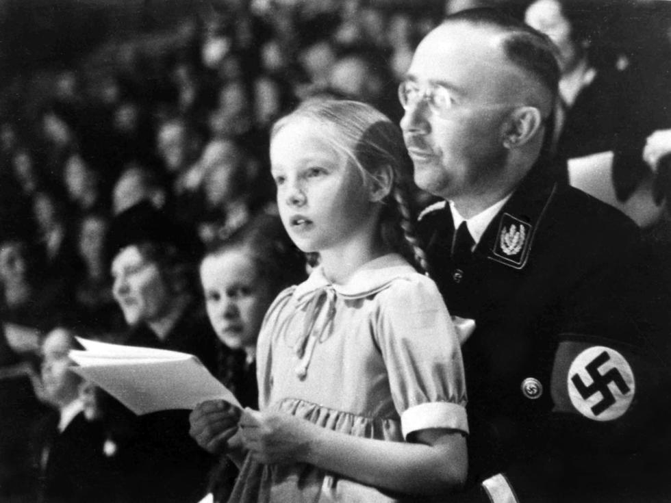 Nazi SS commander Heinrich Himmler with his daughter Gudrun in 1938 (Photo: AP)