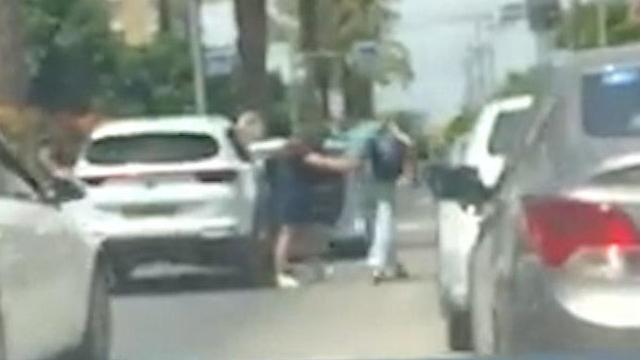 אישה שהותקפה ע