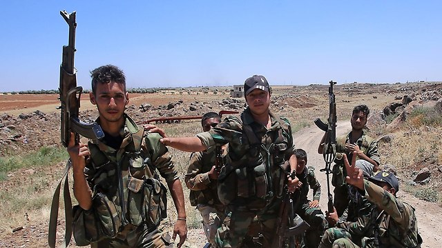 Assad army soldiers in Deraa (Photo: AFP)