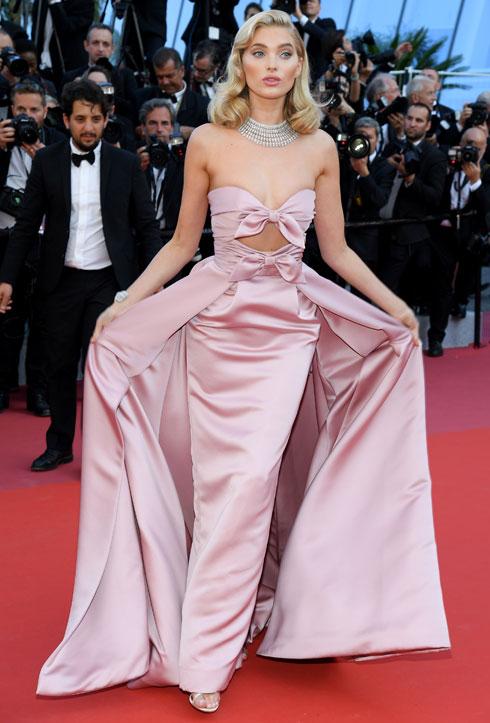 דוגמנית ויקטוריה'ס סיקרט אלזה הוסק בשמלה של אלברטה פראטי  (צילום: Pascal Le Segretain/GettyimagesIL)