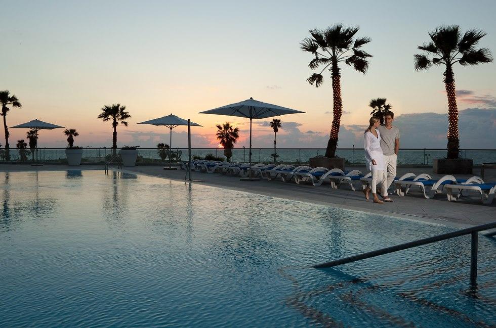הבריכה במלון דיוויד אינטרקונטיננטל (צילום: אורי אקרמן)