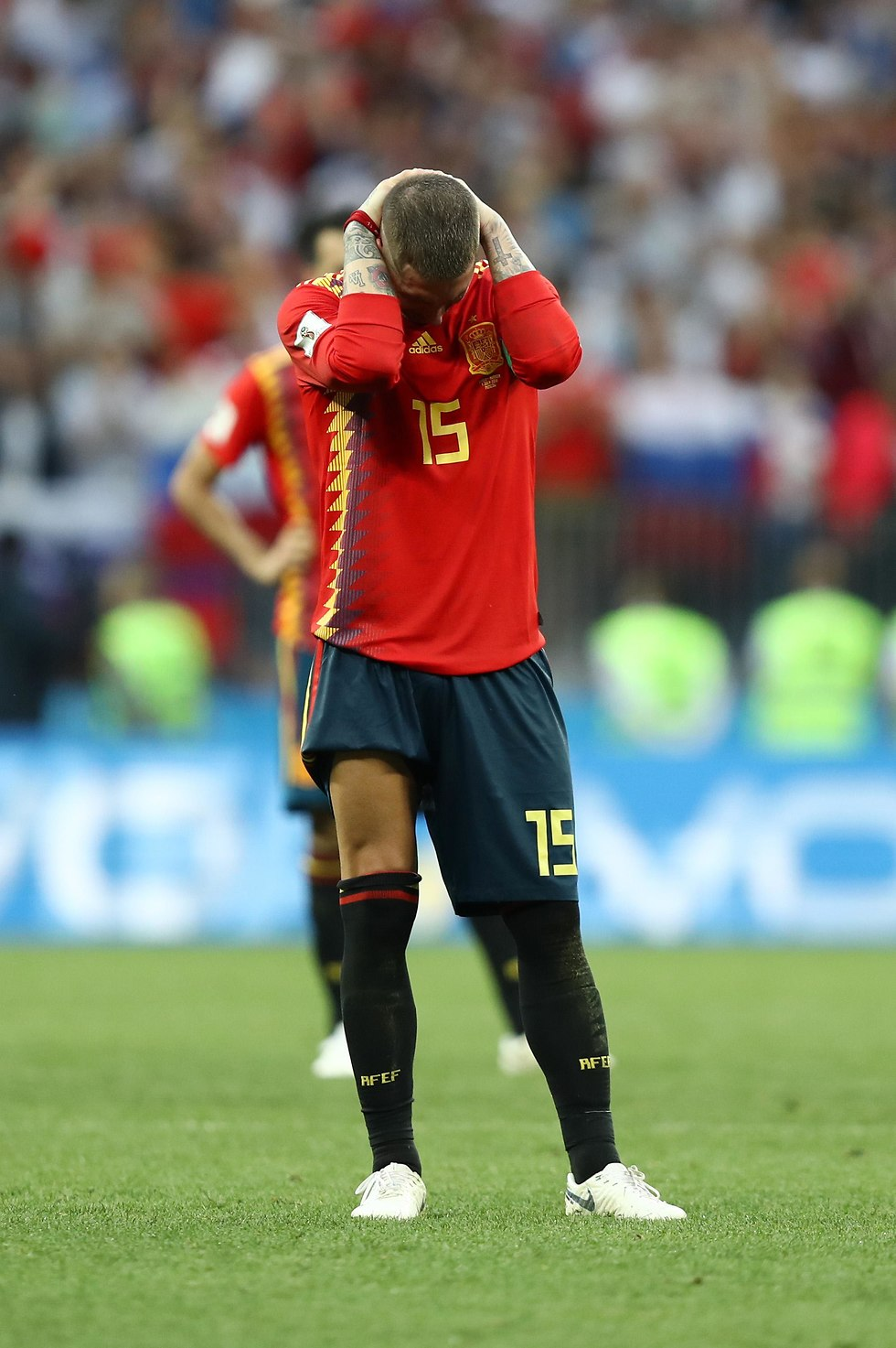 סרחיו ראמוס מאוכזב בשמינית הגמר (צילום: getty images)
